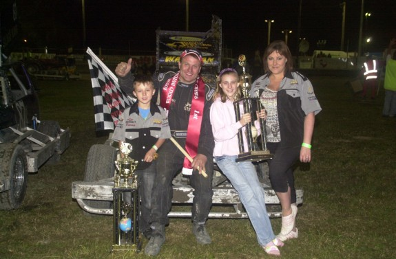 Frankie & Family, with the World 240's Trophy