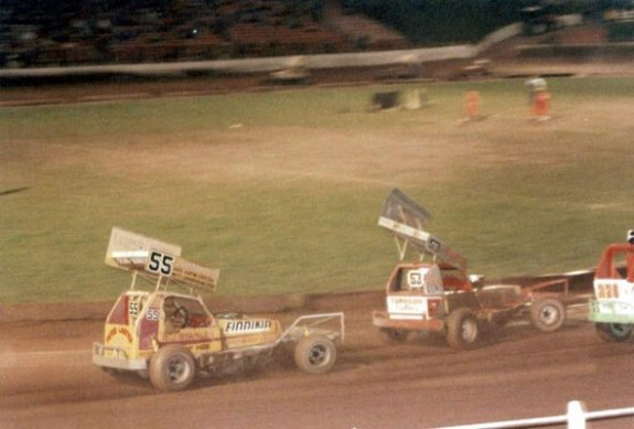 Bert (55) with the Gold roof chasing down John Lund (53). Photograph courtesy of Thomas Ackroyd