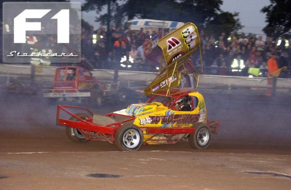 Andy Smith wins his Semi securing his place on the first row of the World Final grid. Photo Colin Casserley.