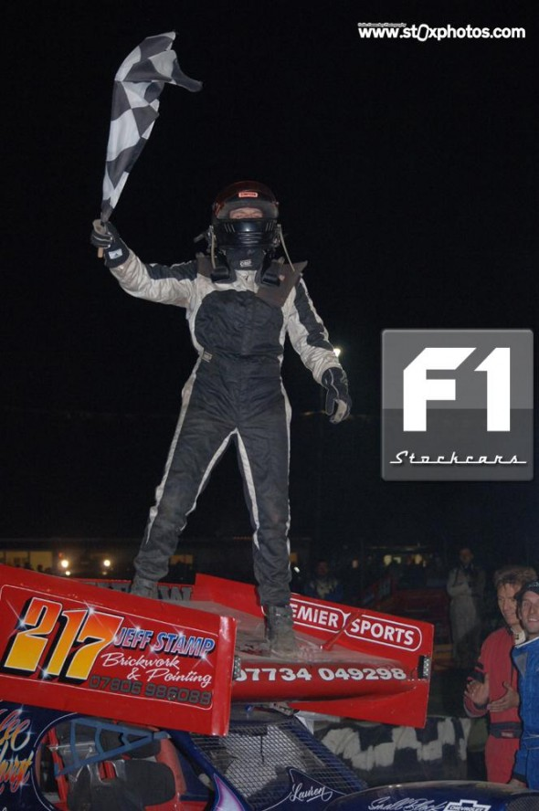 Lee Fairhurst 217 celebrates winning the World Championship 2012. Photo Colin Casserley
