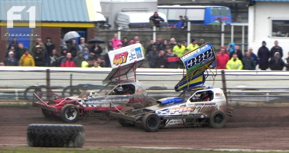 Man of the meeting 388 Paul Ford, seen with 457 Scott Chambers.  [CH]