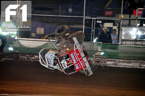 Jason Eaton 448 takes a different view of the track. Photo Steve Botham