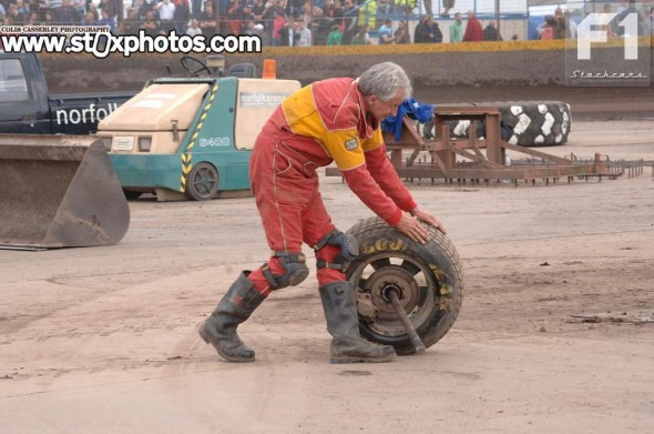 Mixed fortunes - After winning the opening White & Yellow race, Tim Warwick suffered severe rear axle damage in the next race.
