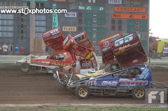 Belle Vue isn't wide enough for five abreast.