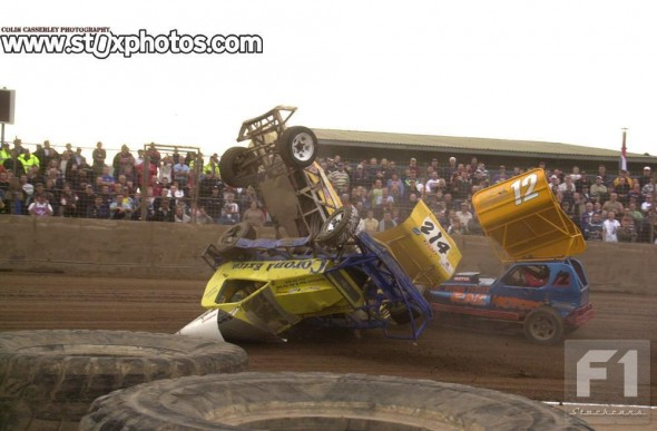 The meeting began with the World Consolation and this spectacular incident featuring Adam Slater and Steve Jacklin.