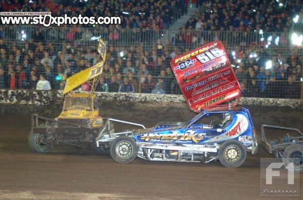 This collision with Frankie Wainman in the Final was enough to break the front panhard rod of Wendy Koopman's car.