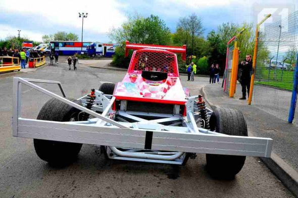 Ed_Neachell_2014_tarmac_car_by_Steve_Botham-05