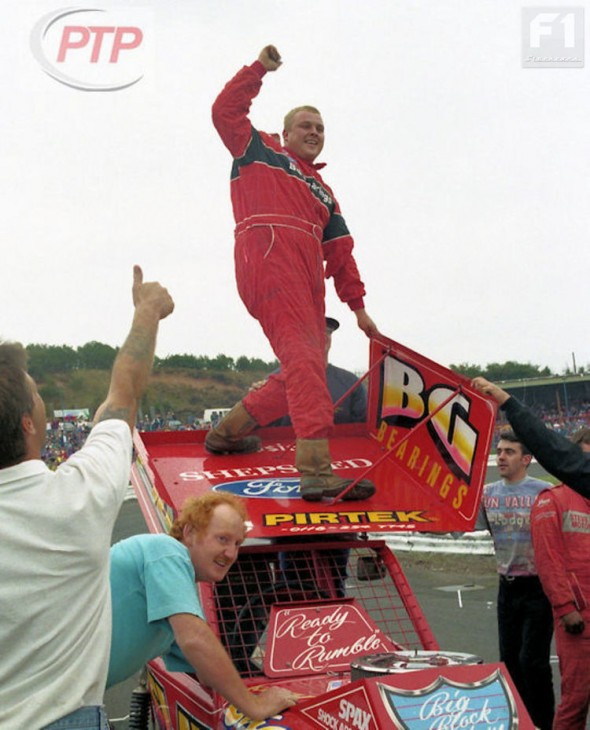 Keith Chambers after taking the chequered. [PT]
