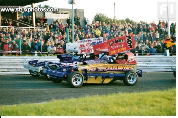 Andy Smith and Frankie Wainman Junior on the front row of the 2001 World Final.  [CC]