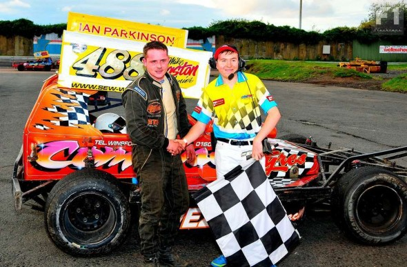 ...but the lower graders took the spoils in Heat 2.  Mike Kingston Junior (488) with the flag.
